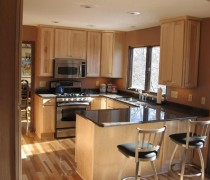 Plymouth | Maple Cabinets