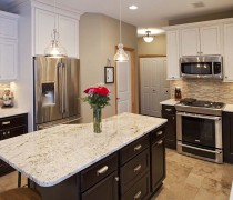 Apple Valley | Soft Cream Cabinets