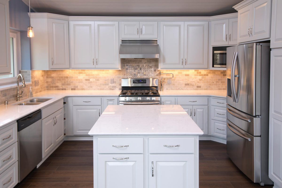 - 5 Tips For Choosing Kitchen Backsplash Tile - The Cabinet Store