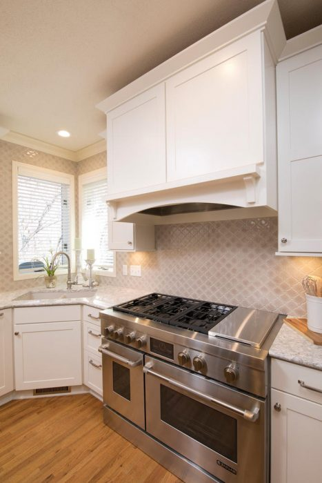 Backsplash kitchen tile cream and white cabinets
