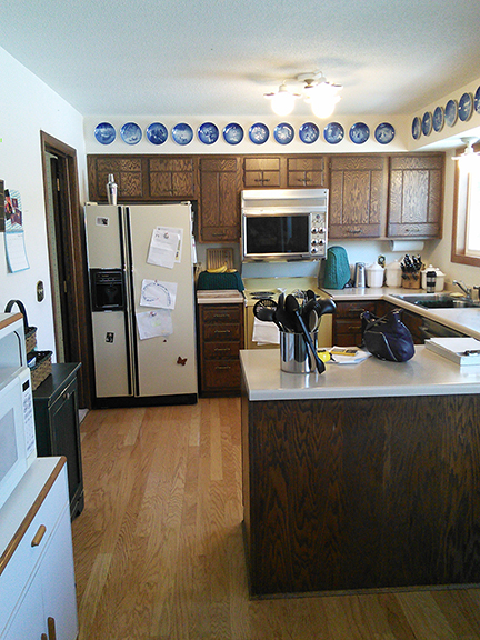 A 1970s Kitchen Goes Black (And Gets Room for Holiday ...