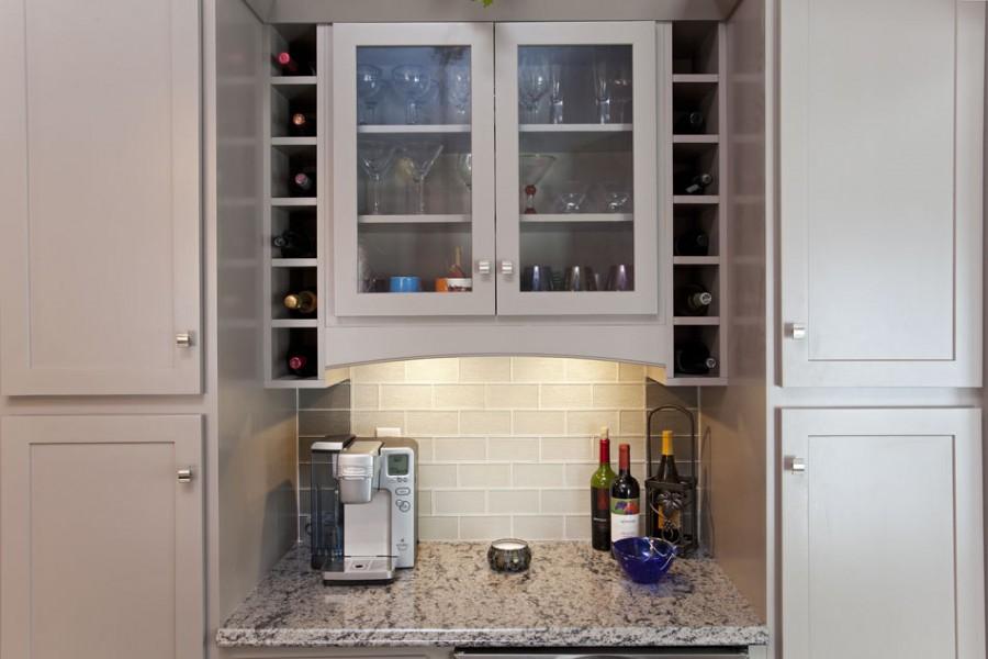 Super Kitchen, Entertaining Details